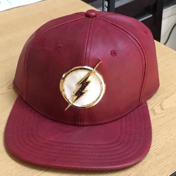 b9c46724b017eb dc comics Accessories | Red Leather Flash Snapback Hat Premium ...